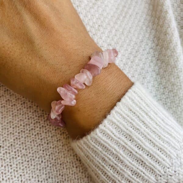 bracelet elastic'chips porté quartz rose