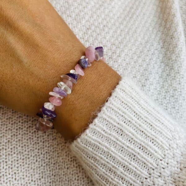 bracelet elastic'chips porté triple pierre