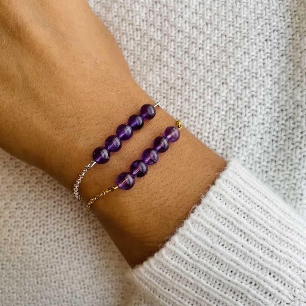 bracelet pentaperle porté double améthyste