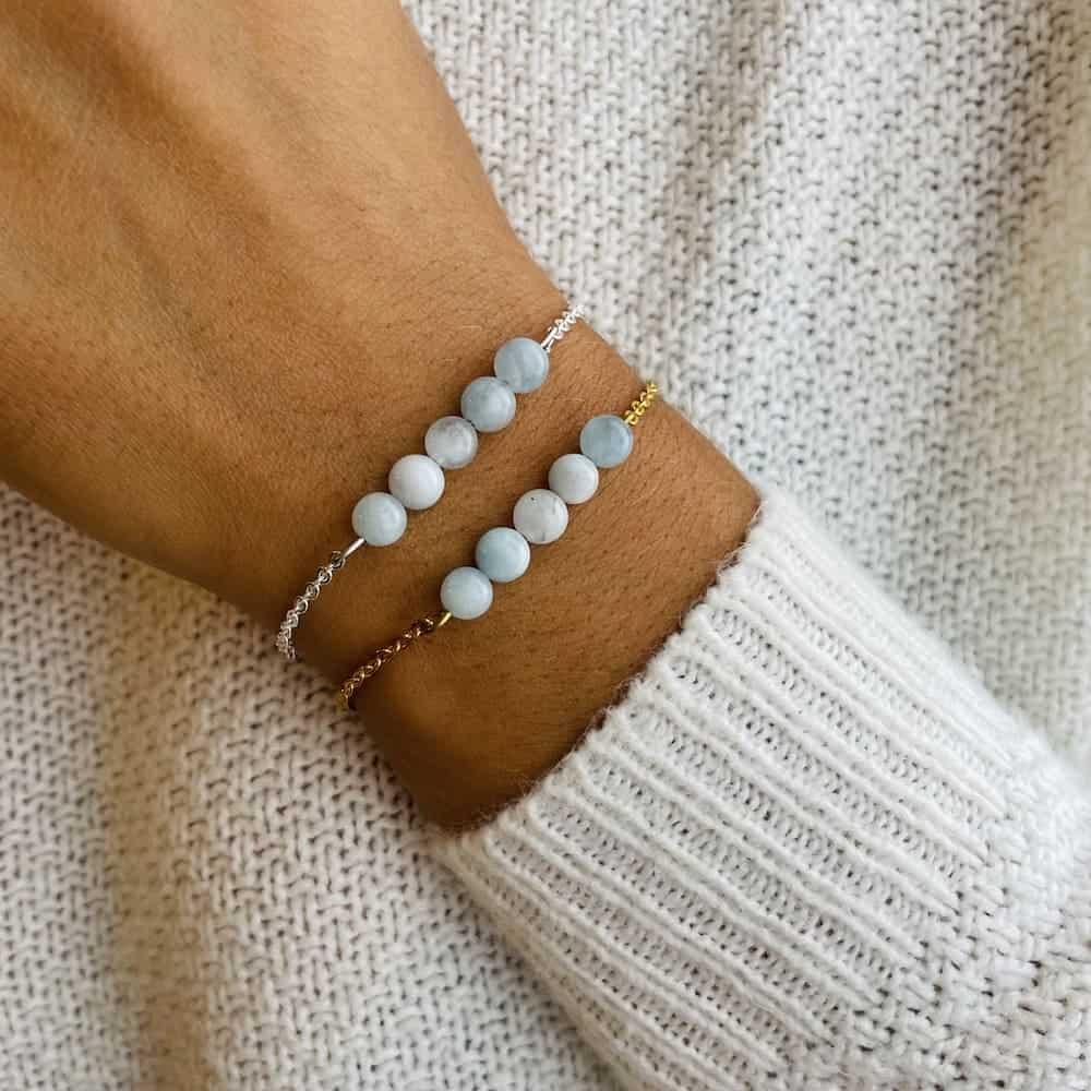 bracelet pentaperle porté double aigue-marine