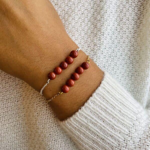 bracelet pentaperle porté jaspe rouge