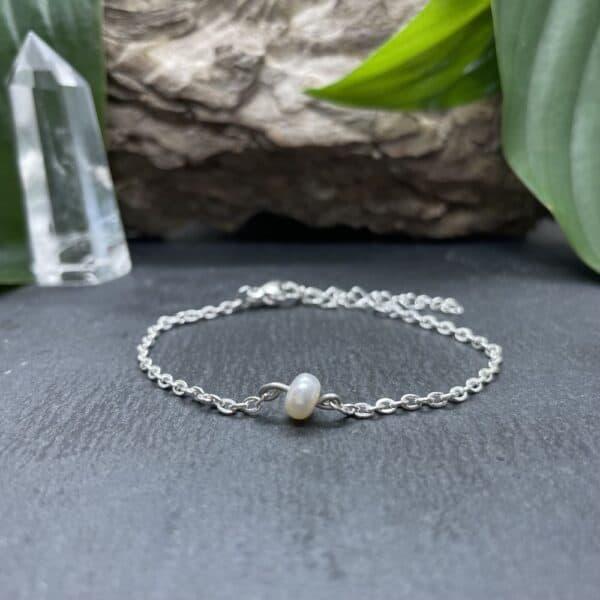 bracelet uniperle porté argent perle d'eau douce