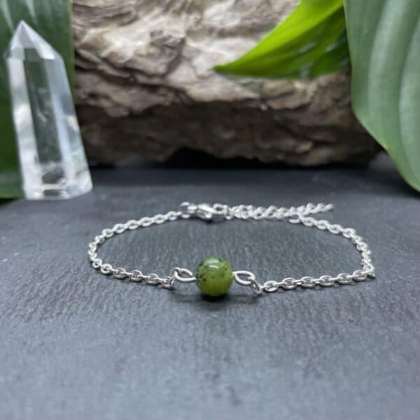 bracelet uniperle porté argent jade verte